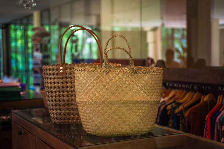 Woven Bag from Pandan Leaves – Komaneka Resorts Blog 1fab025a6e